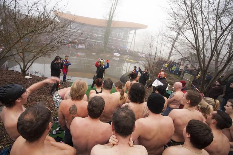 Neujahrsschwimmen in der World of Living