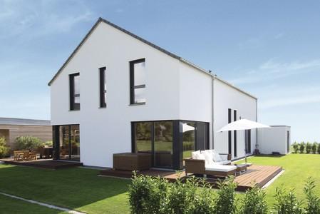 freigeplantes Einfamilienhaus mit Satteldach
