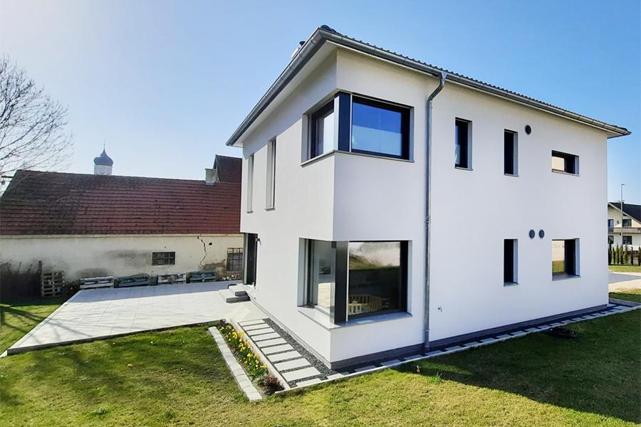 Bauhaus zweigeschossiges Flachdach