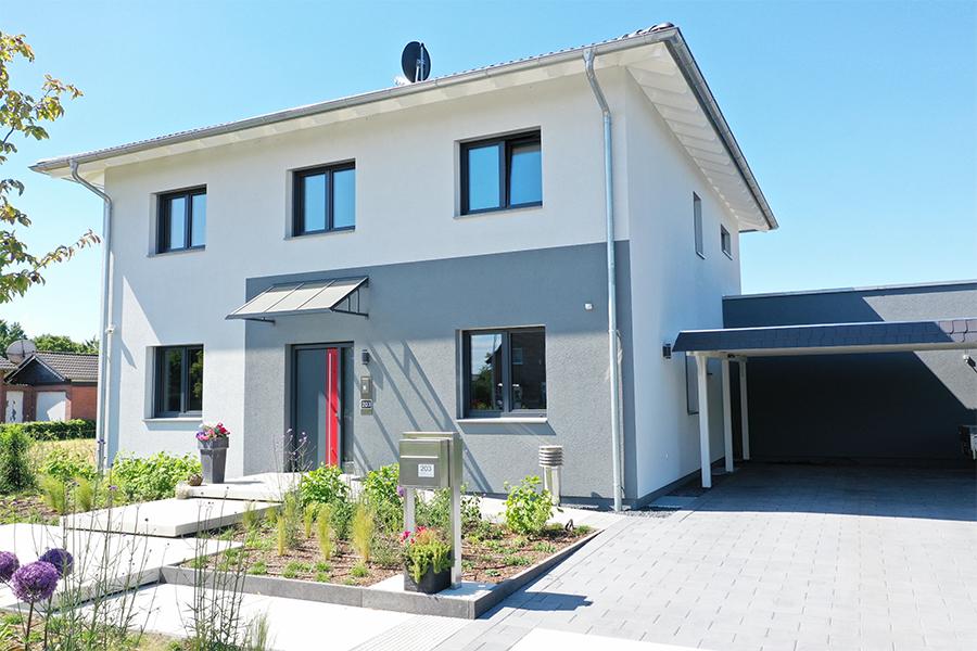 Flachdach Haus mit zwei Vollgeschossen