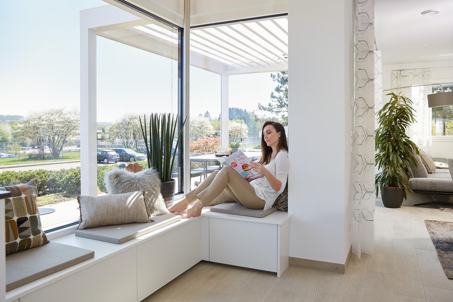 Eckverglasung mit integrierter Fenstersitzbank