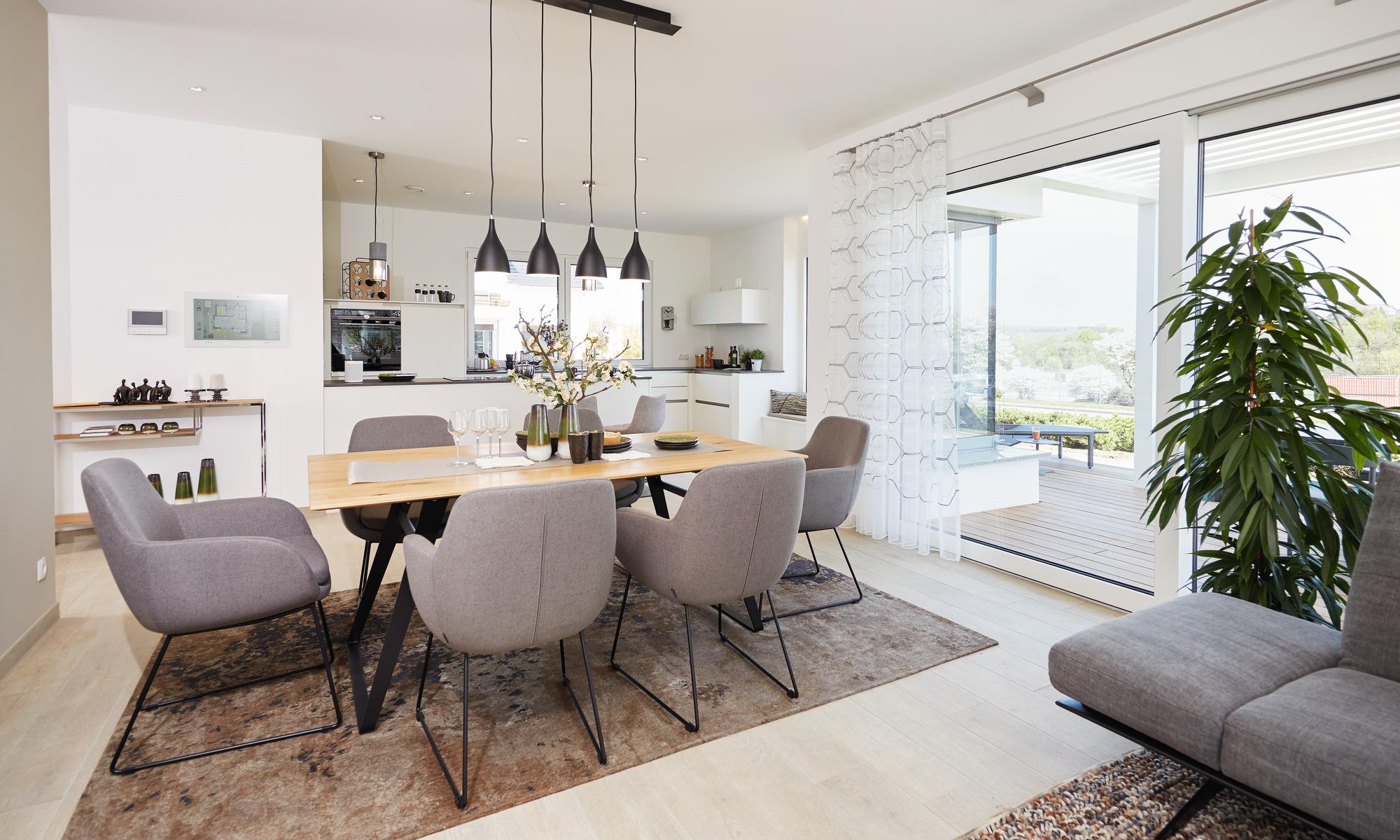 offene Küche mit angrenzendem Esszimmer