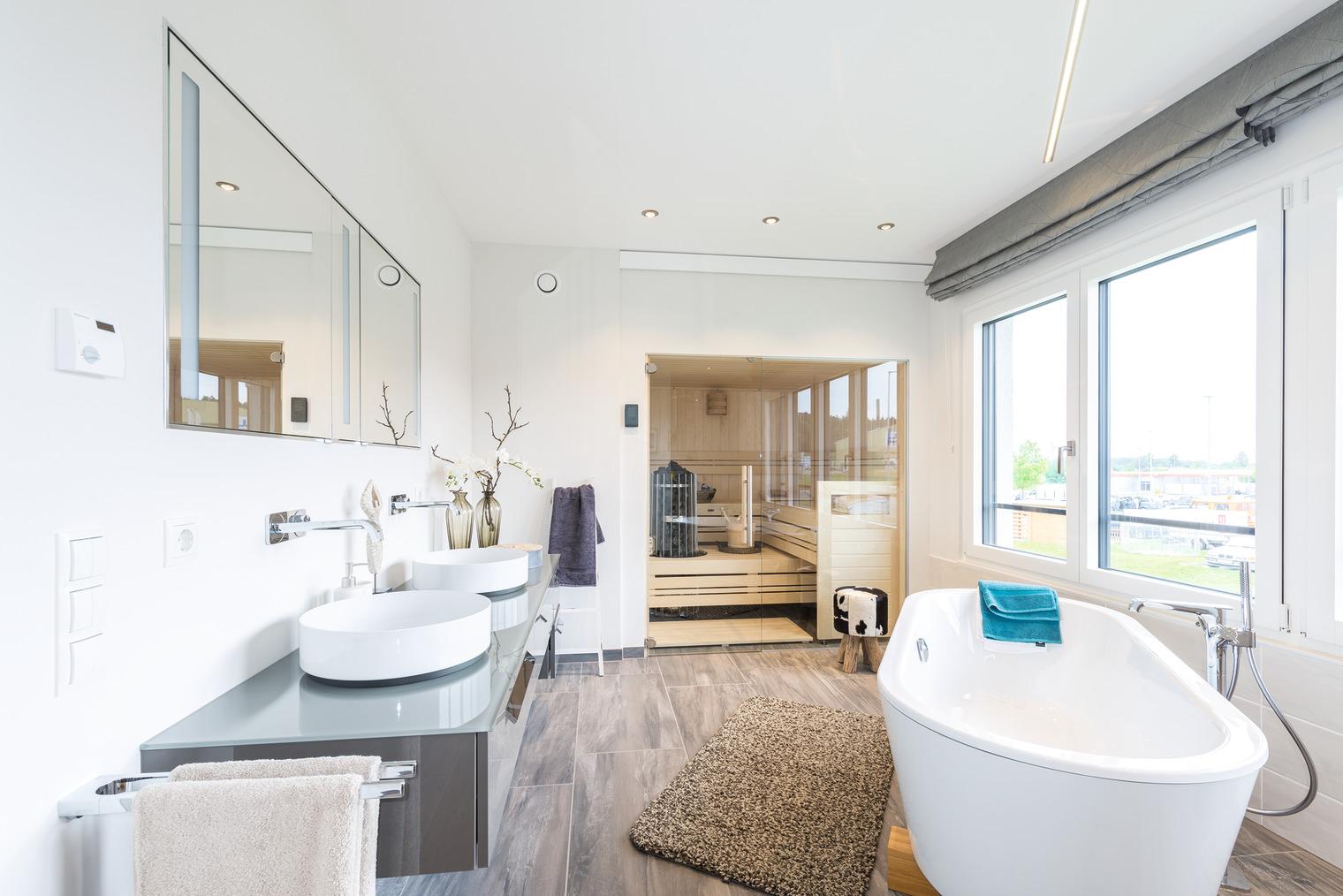 Bad mit freistehender Badewanne