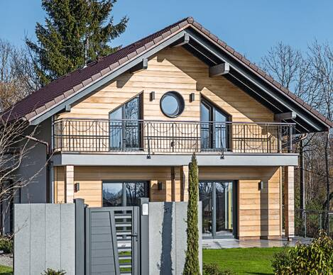 Eco-friendly wooden kit house