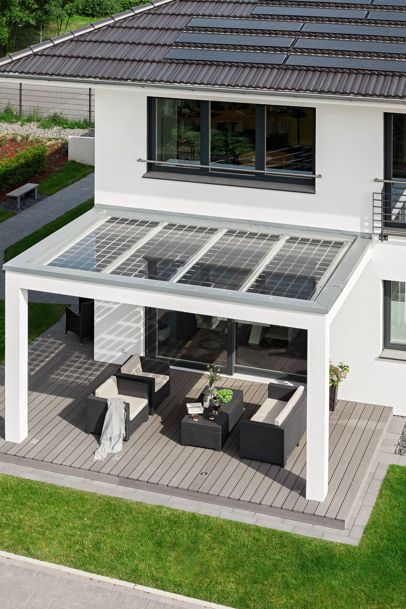 Eco-friendly prefab house with photovoltaic system