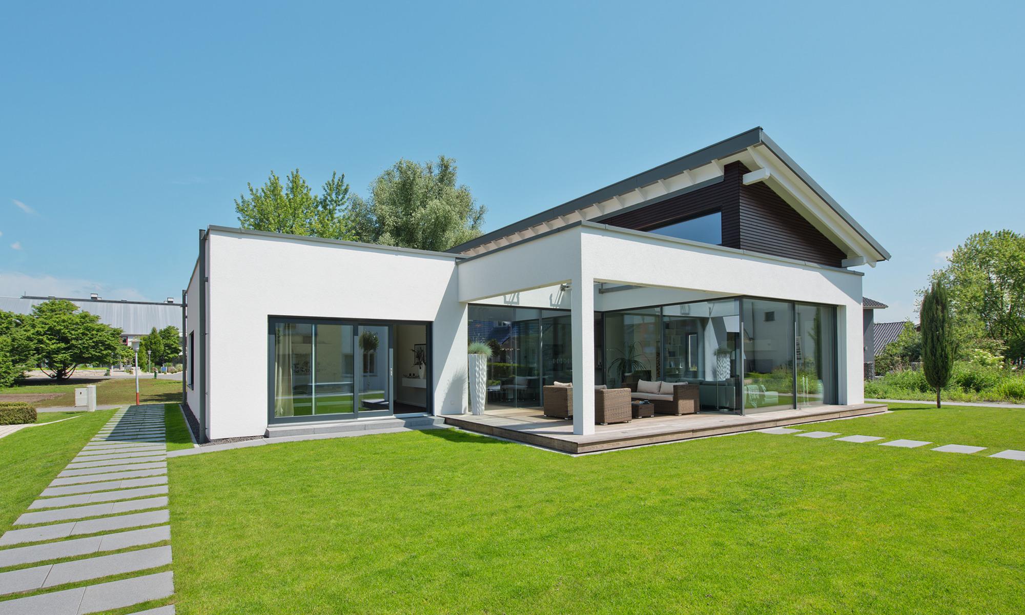 Architect-designed 1-storey prefab home