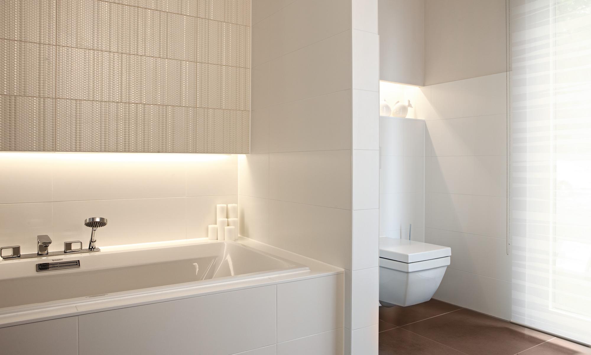 Contemporary Bauhaus style prefab bungalow