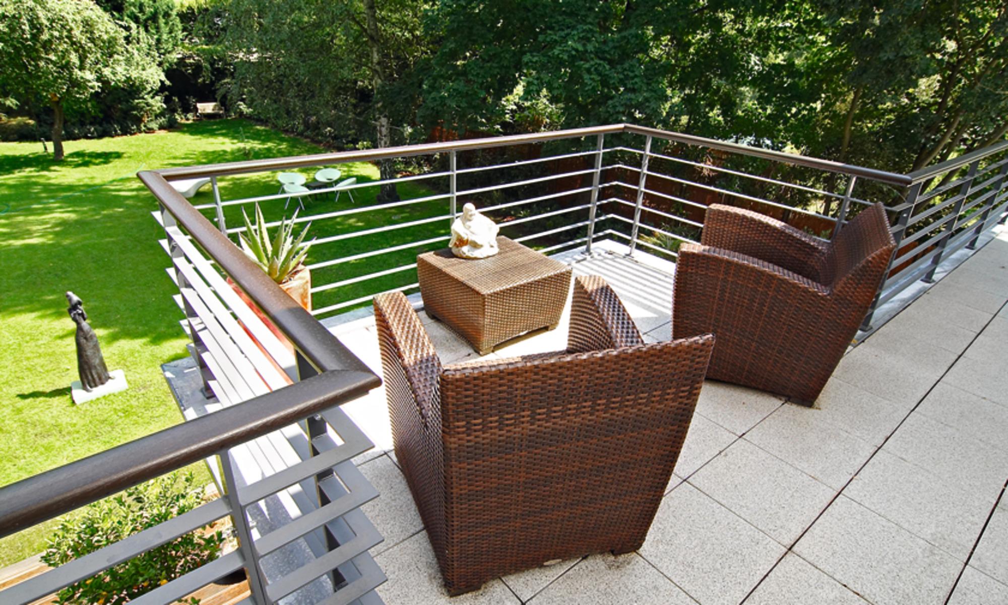 Energy-efficient wooden prefab home