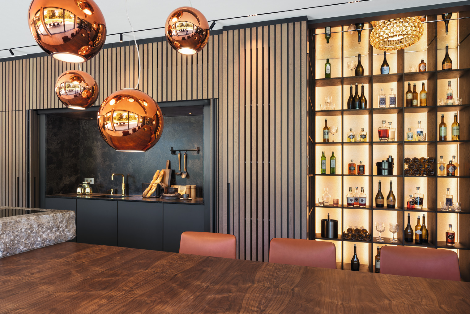 moderne Küche mit integrierter Bar
