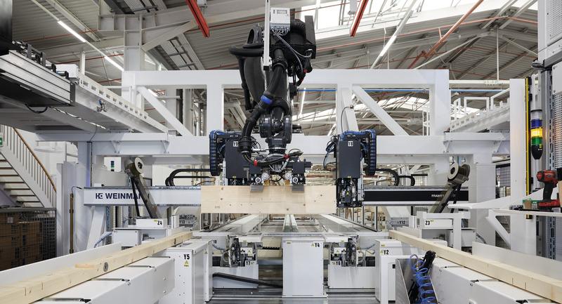 Robotik-Anlage in der Produktion bei WeberHaus