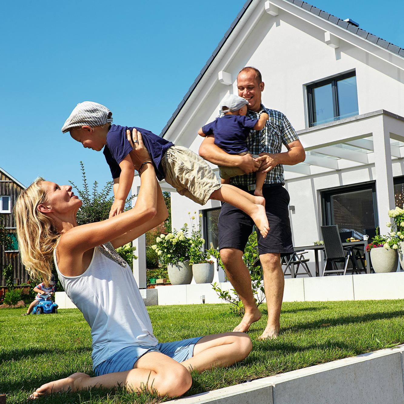 1,5 geschossiges modernes Haus mit Pergola